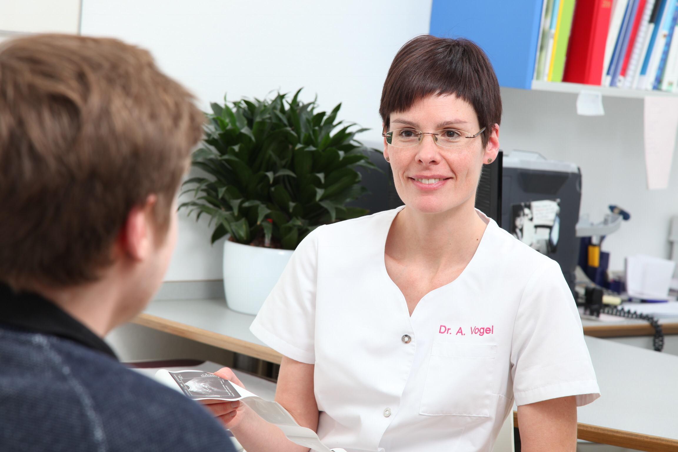 Dr. Annette Vogel – Fachärztin für Allgemeinmedizin